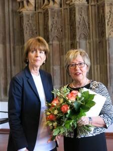 Marlene Merhar mit Kölns Oberbürgermeisterin Henriette Reker