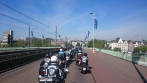 Korso über die Deutzer Brücke
